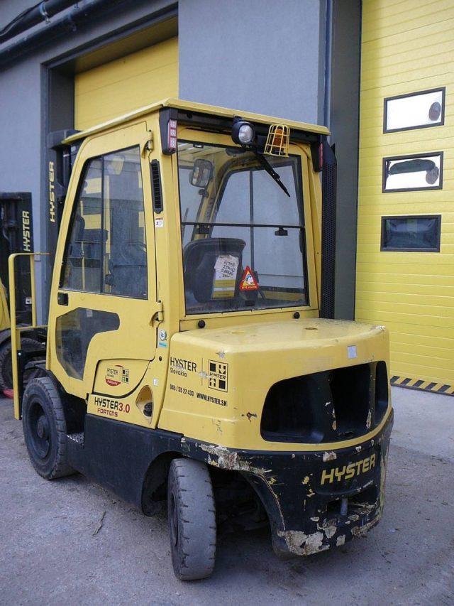 Čelný vozík s dieselovým pohonom H3.0FT D (OZN. H6027)