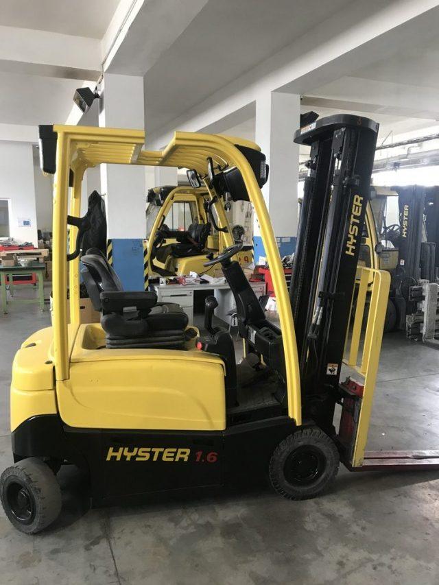 Zrepasovaný-vysokozdvižný-vozík-J1.6XN-MWB-A935B04148M