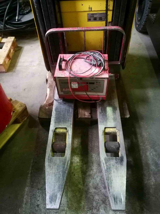jazdeny rucne vedeny paletovy vozik Hyster S1 (1)