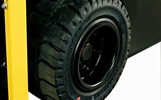 pneumatiky na vysokozdvižné vozíky